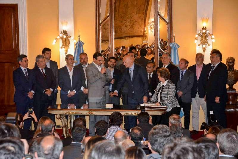 """Valdés tomó juramento al nuevo ministro de Turismo de la Provincia y puso en funciones al interventor del nuevo municipio """"Cecilio Echeverria"""""""