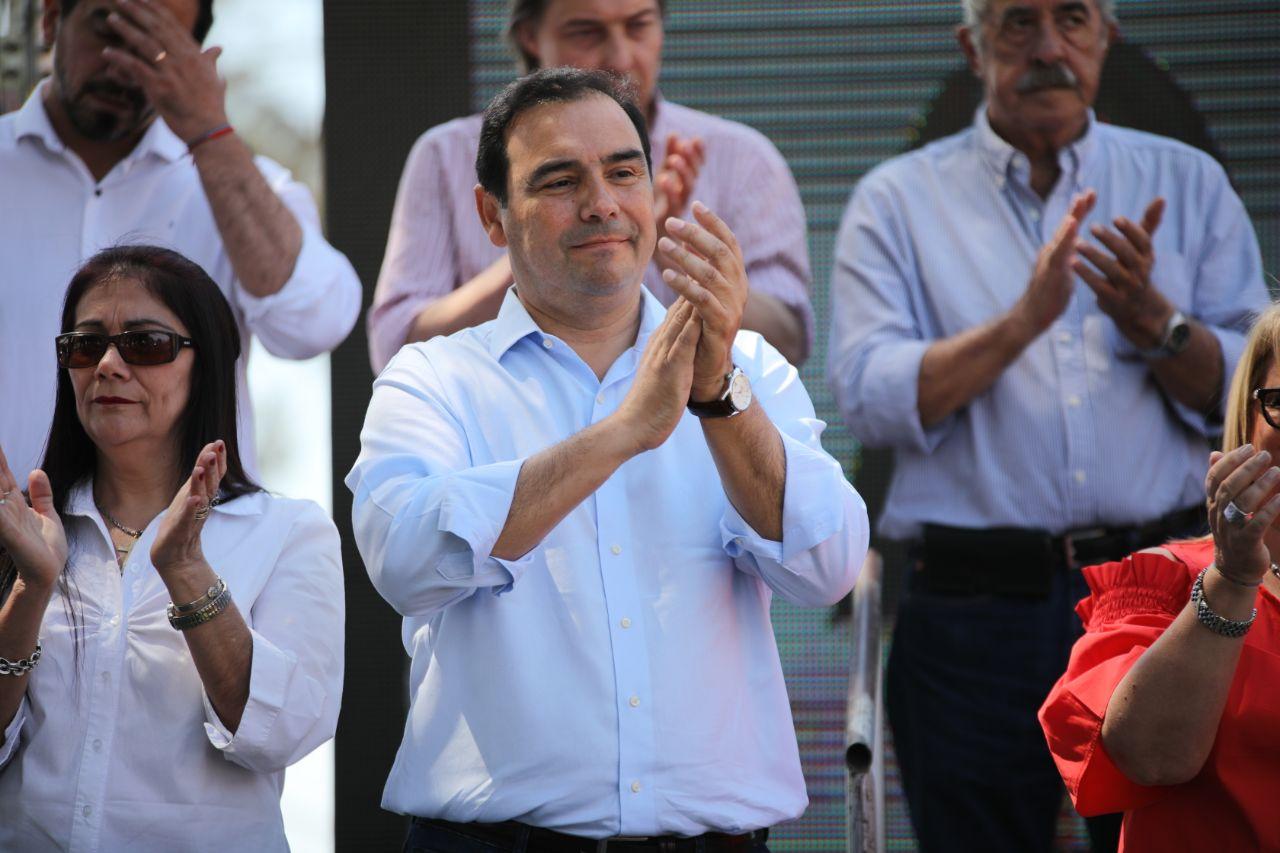 """En Paso de los Libres, Valdés apoyó candidatos a concejales para que la ciudad """"vuelva a estar bien"""""""