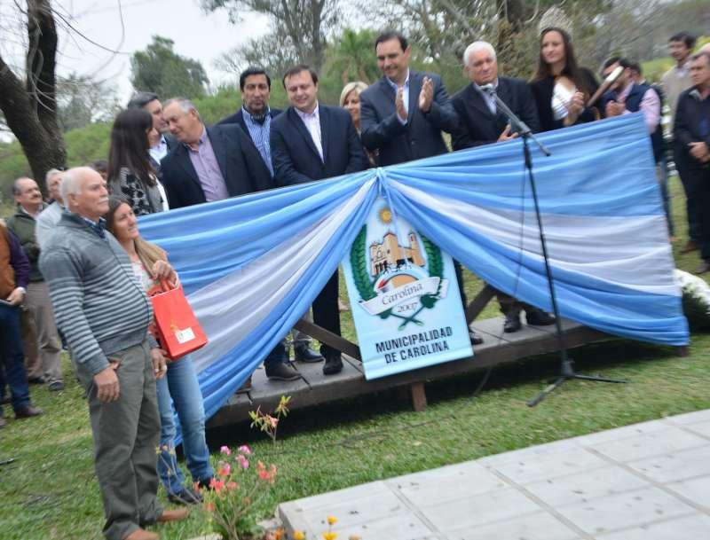 En Carolina, Valdés encabezó la XXXV Fiesta Provincial del Agricultor y anunció obras viales, viviendas y una comisaría para la localidad