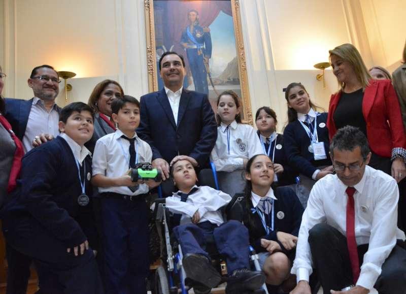 Valdés redobló su compromiso de impulsar la innovación y tecnología en las escuelas correntinas