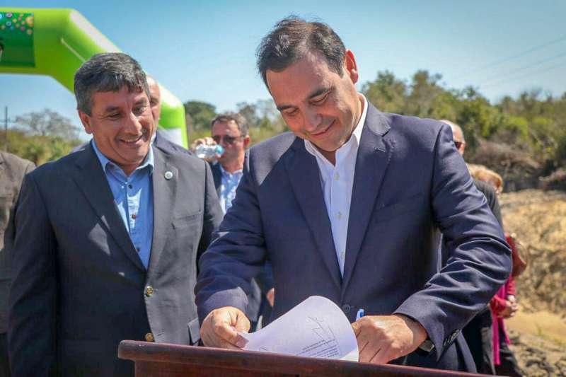 El Gobernador inauguró el nuevo puente y enripiado de la Ruta 10 en Empedrado