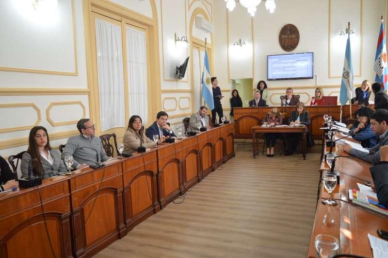 La situación dominial de 153 viviendas del barrio Esperanza fue eje de debate en el Concejo