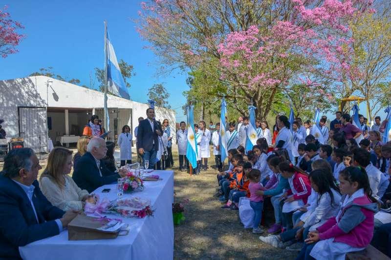 Valdés inauguró las obras de ampliación de la escuela N° 467 del Paraje Mora
