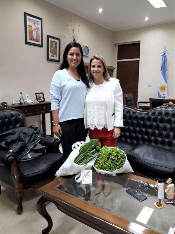 Susana Benítez recibió a docente del Taller de Huerta del Plan FinEs