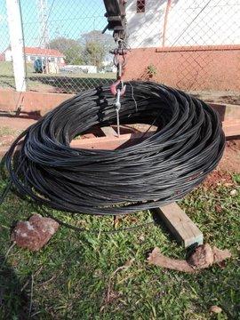 La DPEC reemplaza más de 33 mil metros de cables convencionales por preensamblados en Paso de los Libres