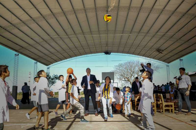 Valdés inauguró refacciones y el tinglado de la Escuela n°725 de Mercedes