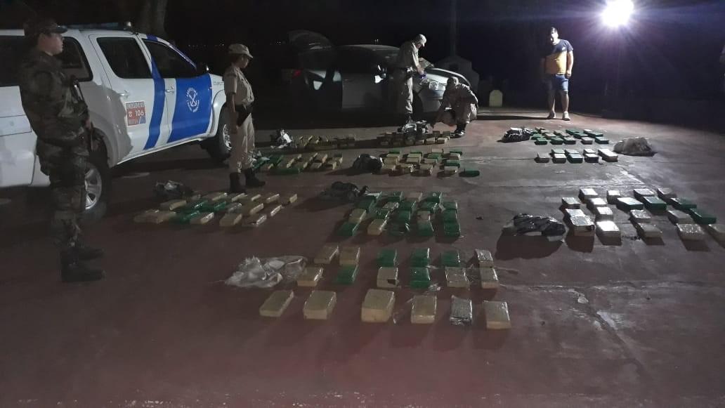 Más de 300 kilos de marihuana y cigarrillos de contrabando