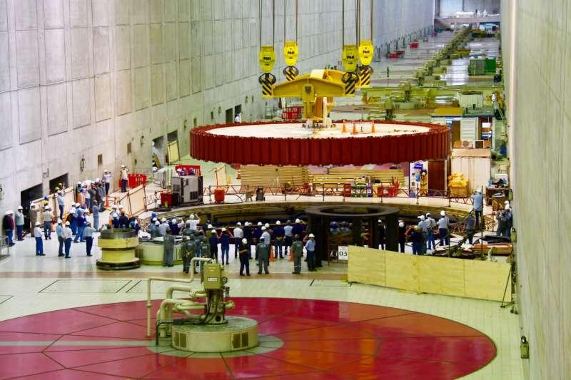 La EBY finaliza una de las etapas de rehabilitación de las turbinas