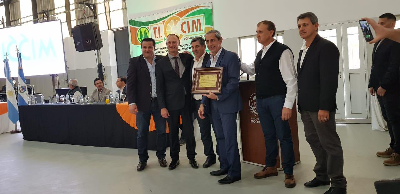 """Rivas Piasentini: """"la fábrica de jugo abre un escenario alentador para el futuro de la producción correntina"""""""