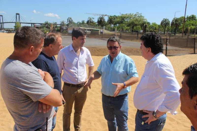 Proyectan un espacio deportivo múltiple de verano en playa Arazaty