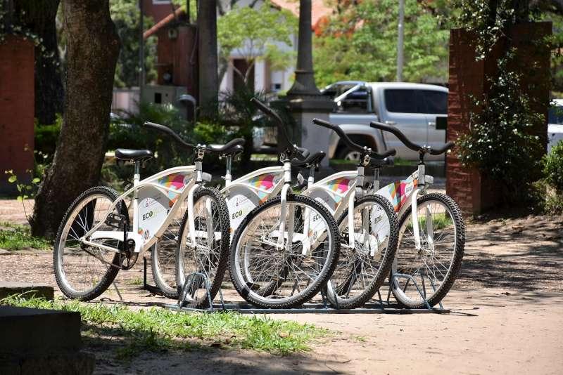 Vecinos y turistas pueden realizar paseos gratuitos en bicicleta por la Costanera