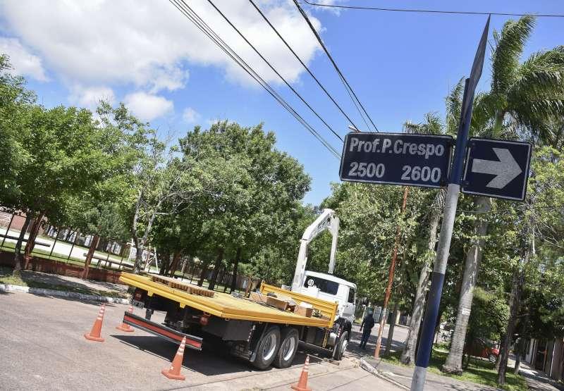 Instalan luces LED en el barrio Cacique Canindeyú