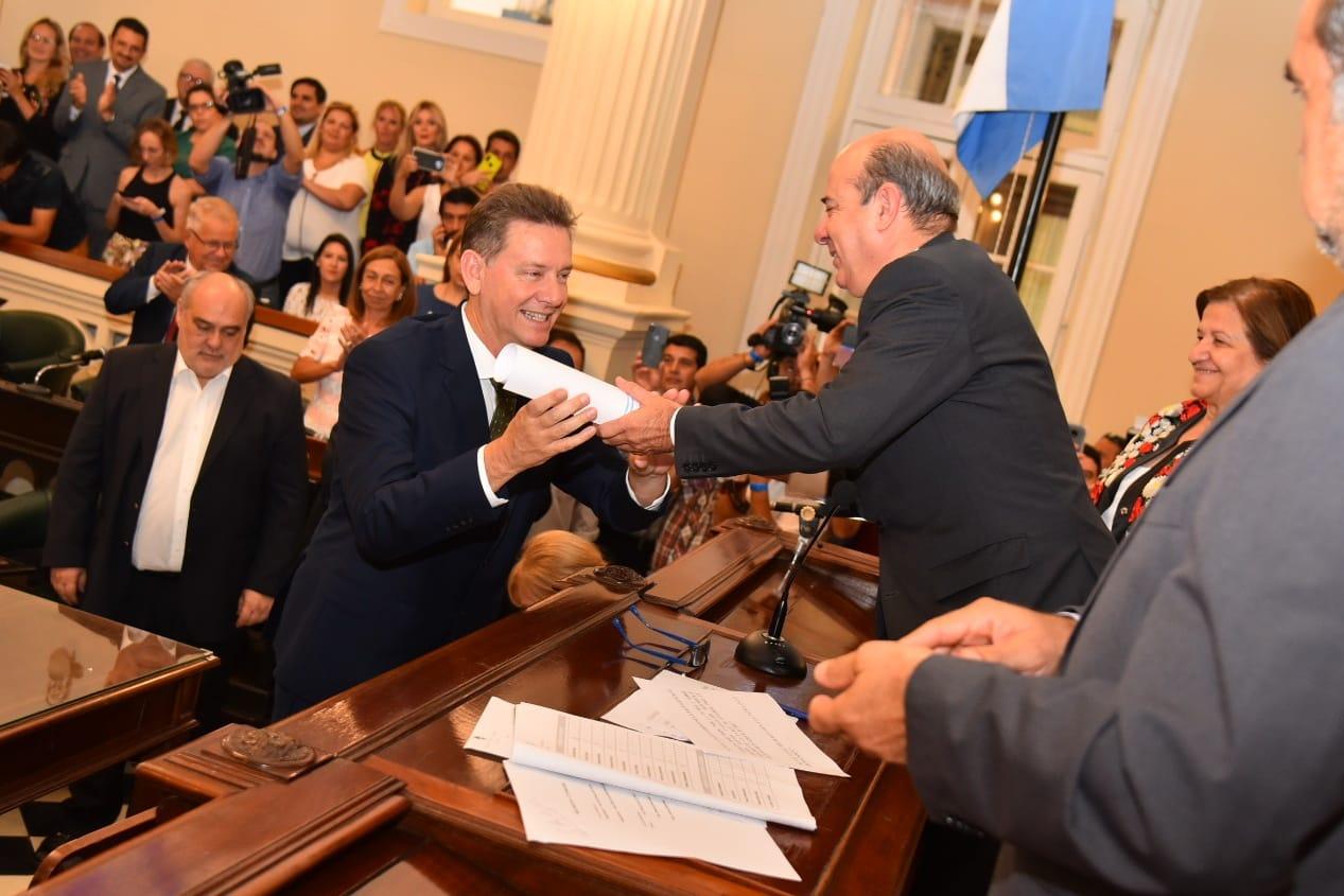 El vicegobernador tomó juramento a los senadores provinciales electos