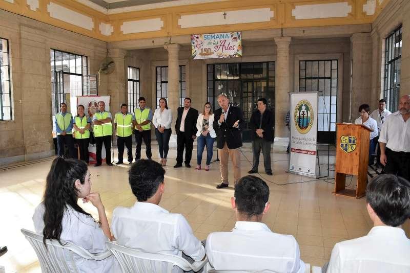 Alumnos de la escuela secundaria Manuel Belgrano aprobaron el curso Mi Primera Licencia