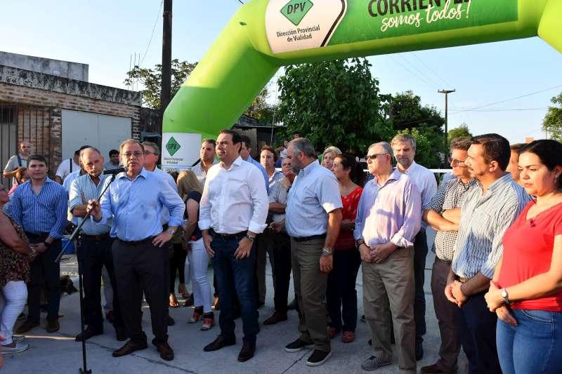 """Valdés inauguró 13 cuadras de pavimento en el barrio Arazaty y garantizó continuidad del """"ambicioso plan"""" provincial para la Capital"""