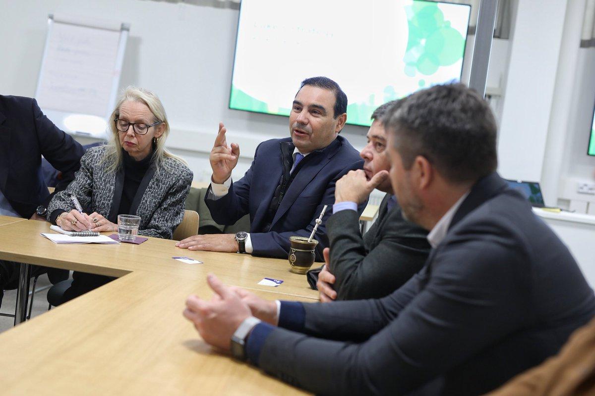 Valdés abrió su misión en Finlandia, con una visita al Instituto de Recursos Naturales