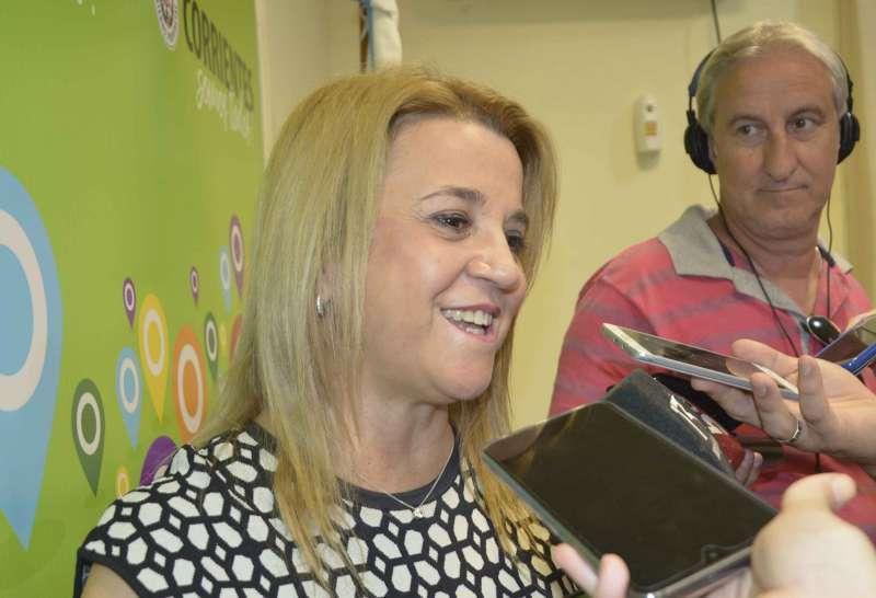Susana Benítez recibió a estudiantes de Itatí, premiadas en la Feria de Innovación Educativa