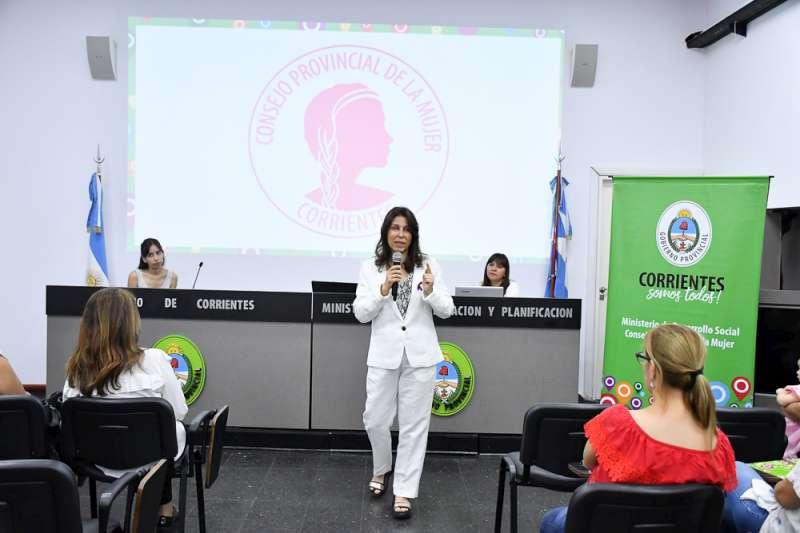 Con un encuentro sobre perspectiva de género, comenzó el ciclo de charlas del Consejo Provincial de la Mujer