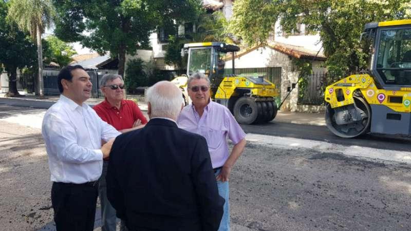 Valdés recorrió las obras de repavimentación sobre Avenida Sarmiento