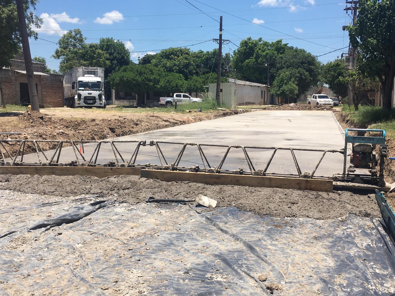 Arrancó la pavimentación de la calle Fragata Hércules en el barrio Santa Rosa