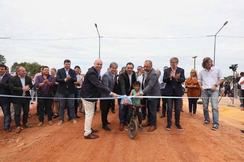 Valdés inauguró obras del Plan Hábitat en el barrio Estación de Paso de los Libres
