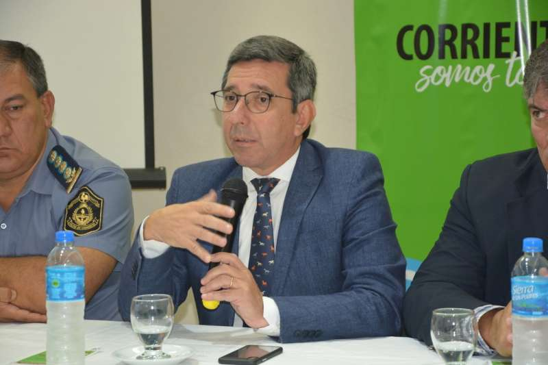 """López Desimoni subrayó que el objetivo es """"cuidar la vida de los correntinos y de quienes nos visiten"""""""