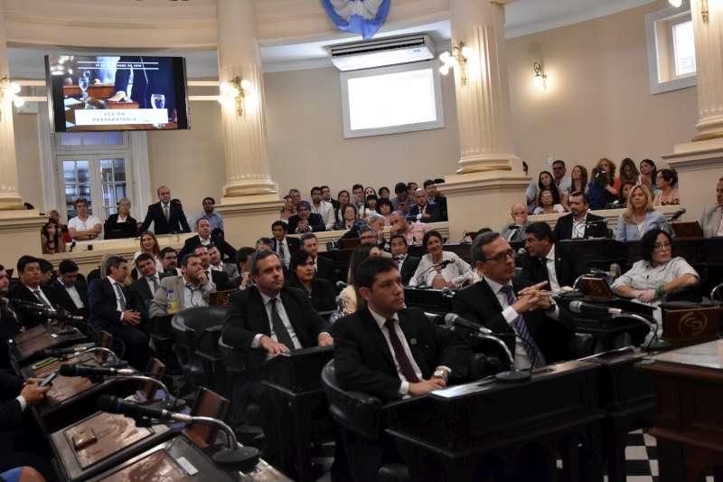"""En la sesión preparatoria, Tassano destacó la """"buena relación y diálogo con el Concejo"""""""