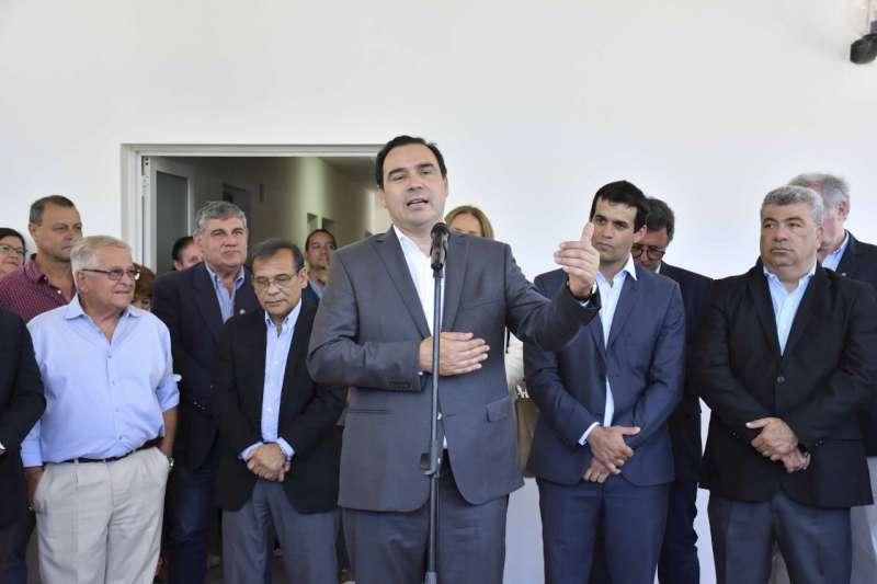 En Santa Ana, Valdés ratificó el fuerte compromiso con la salud pública