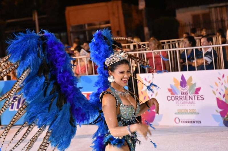 Con más de 35 mil vecinos, Tassano inauguró los Carnavales Barriales