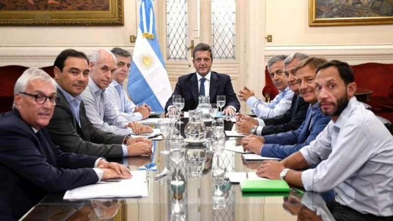 Valdés protagonizó el diálogo entre oficialismo y oposición, en favor de los intereses de Corrientes y las demás provincias