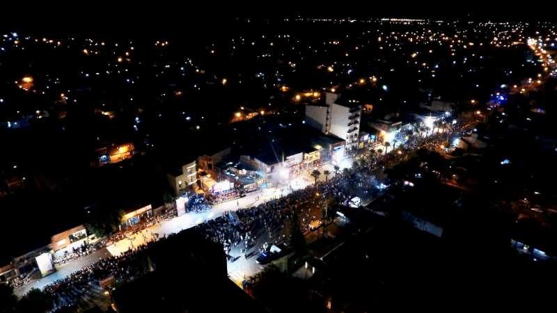Carnavales Barriales, miles de vecinos en la segunda noche