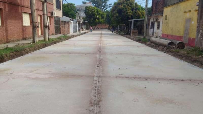 La provincia concluyó la pavimentación de la calle Cerrito en el B° Arazaty