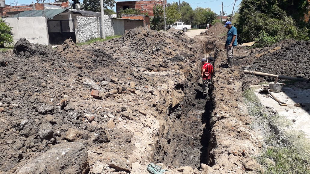 La Provincia sigue pavimentando calles de los barrios Bañado Norte y Santa Rosa y sumará Lavalle