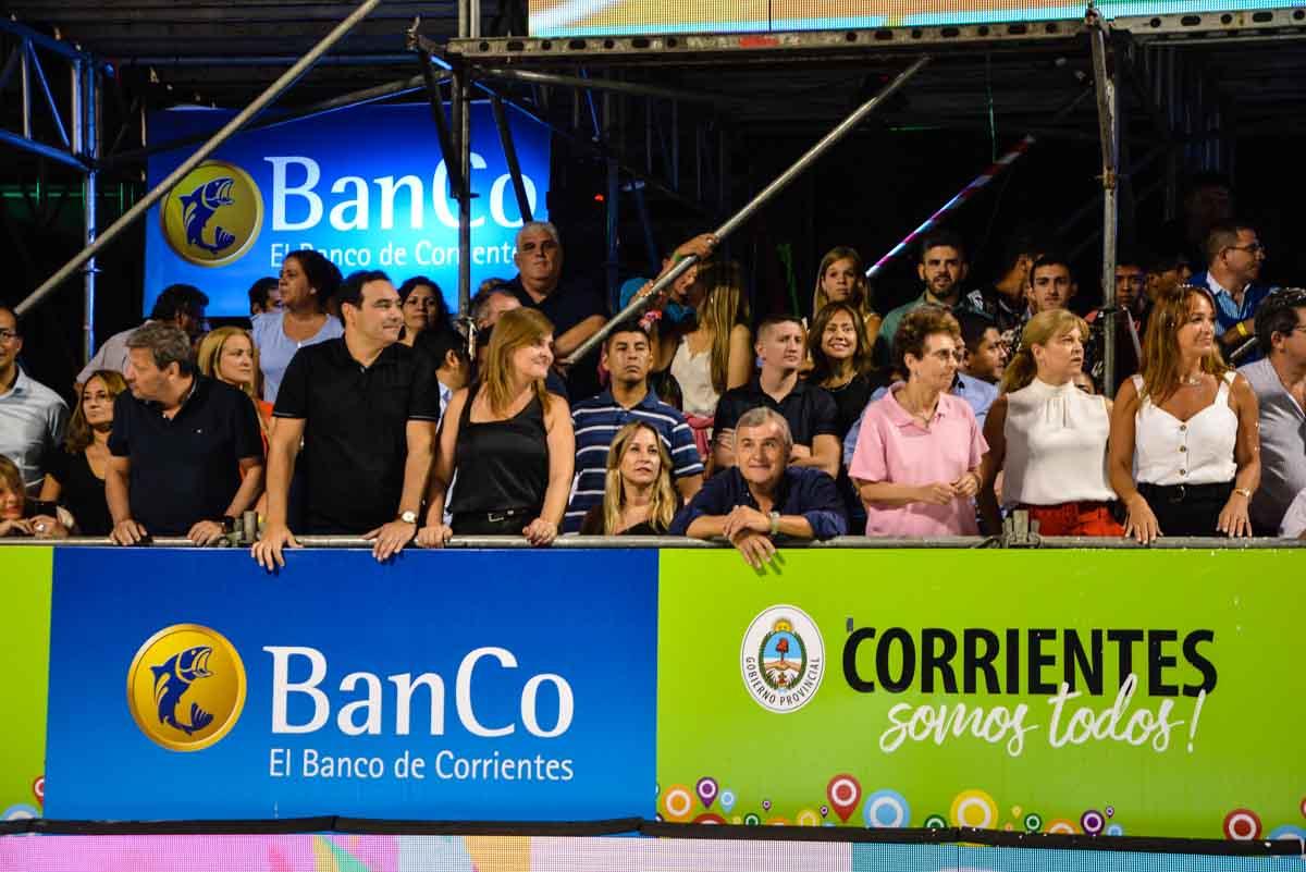 """Ante una multitud, el gobernador de Jujuy junto a Valdés destacó la importancia de """"conectar los carnavales"""""""