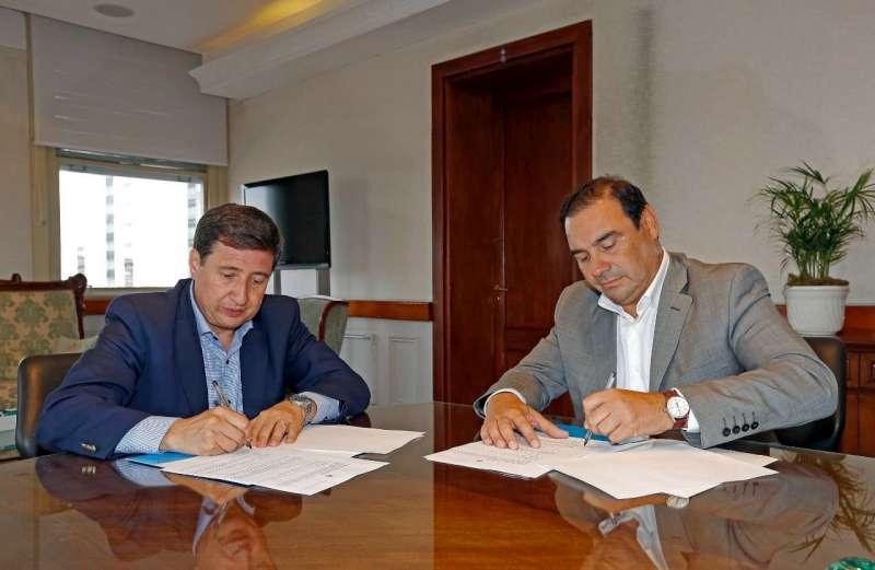 Valdés firmó con Nación el convenio para que la tarjeta Alimentar llegue a 52.458 familias en la provincia de Corrientes