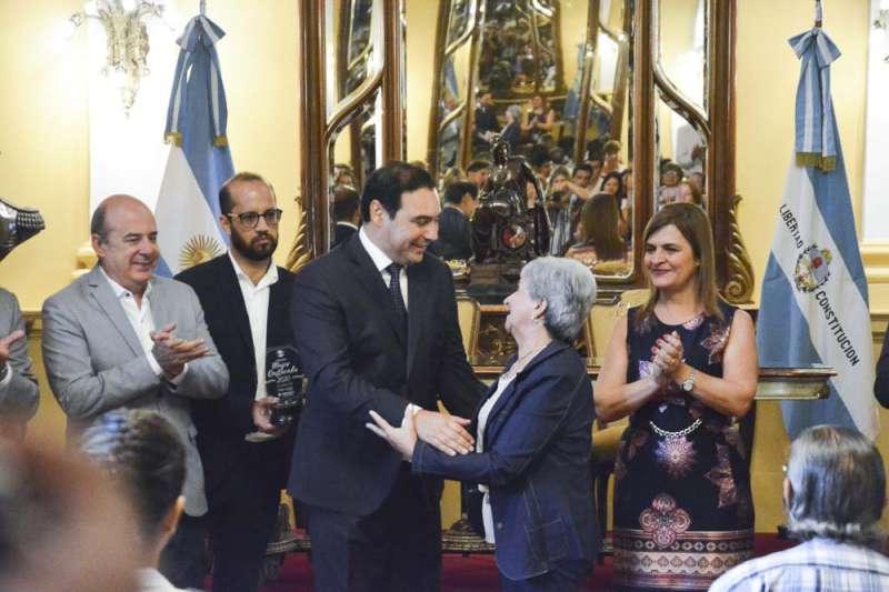 """""""Trabajamos para plasmar cada uno de sus derechos"""", remarcó Valdés tras la entrega de reconocimiento a mujeres destacadas"""
