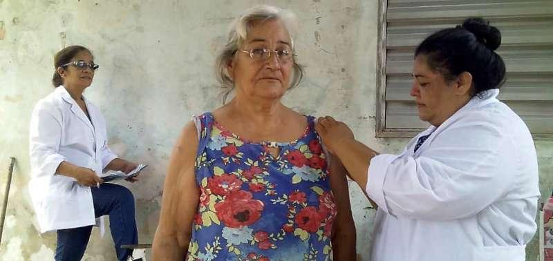 La Municipalidad continúa aplicando la vacuna antigripal casa por casa