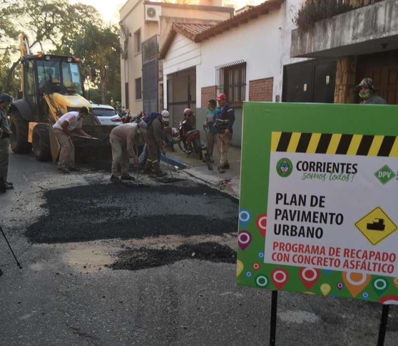 Continúan los trabajos de bacheo y arranca el recapado de avenida Gobernador Pujol