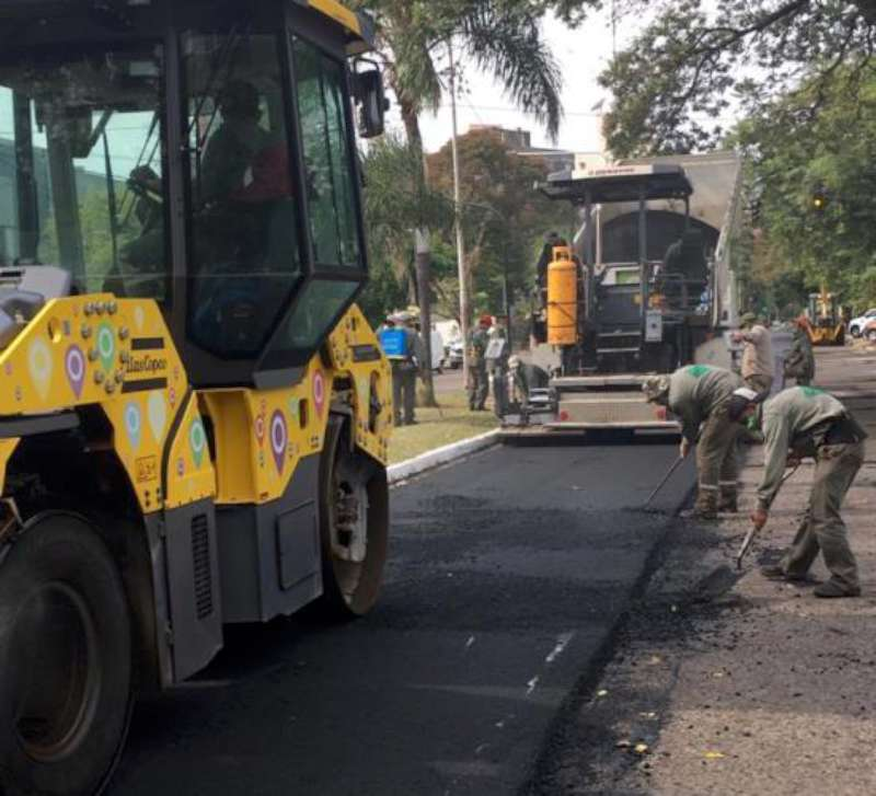 Comenzó la repavimentación con asfalto caliente de la avenida Gobernador Pujol