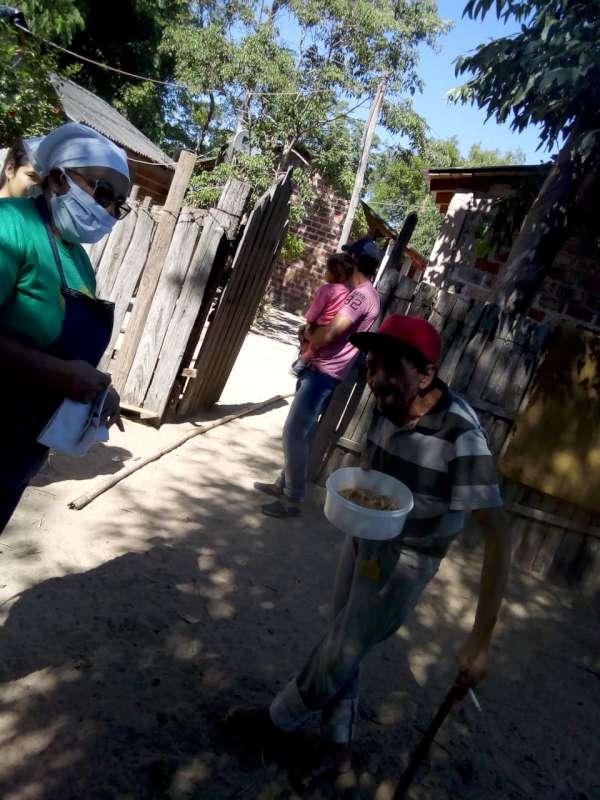 Los Cocineros del Iberá, con un rol social fundamental, asisten a los más necesitados