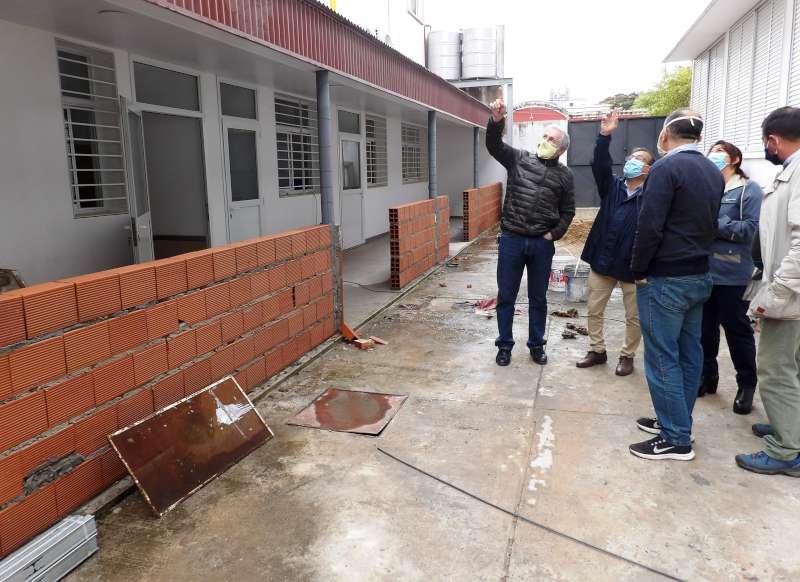 Cardozo verificó el avance de obras en el hospital Escuela