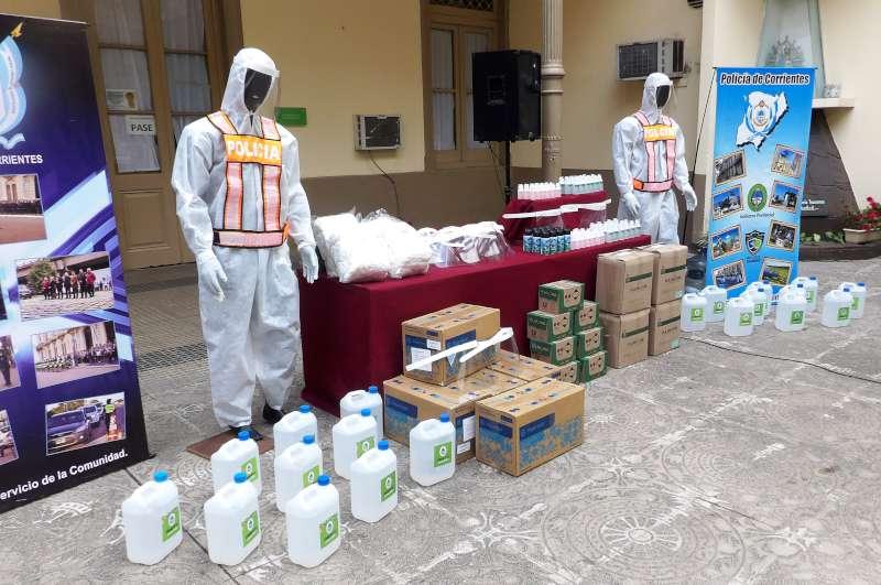 Cardozo entregó elementos de protección de Covid-19 a la Policía de la Provincia