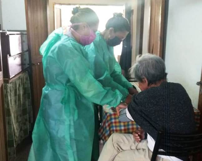Salud mantiene un control permanente de los adultos mayores