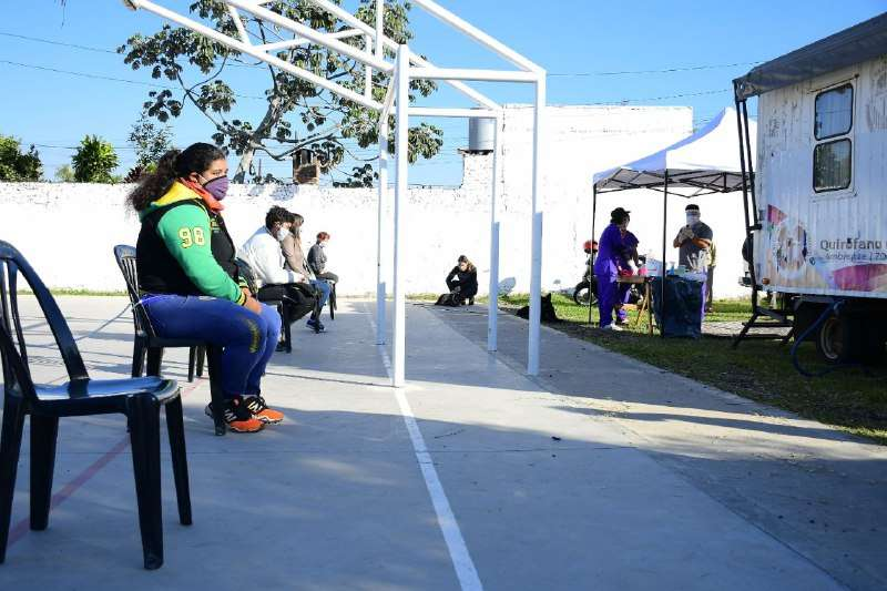 Con estricto protocolo, la Municipalidad llegó al barrio Victor Colas con el programa Mascotas Saludables