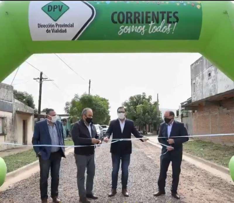 Respetando las medidas de protección sanitaria el Gobernador inauguró obras en el barrio Juan de Vera