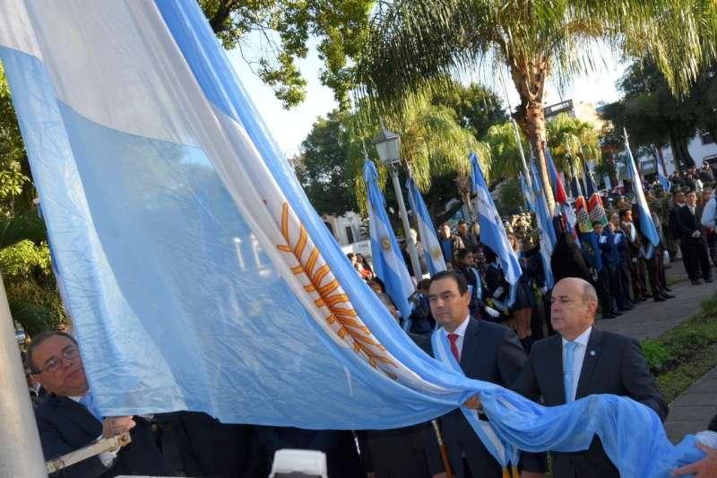 El gobernador Valdés encabezará el acto por el Día de la Bandera Nacional