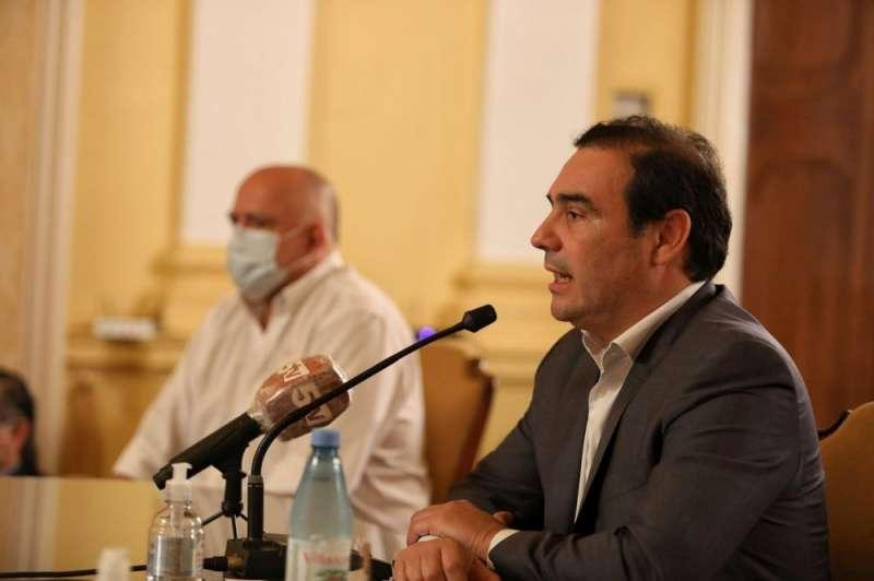 Valdés dará a conocer el lunes las nuevas medidas respecto de la pandemia