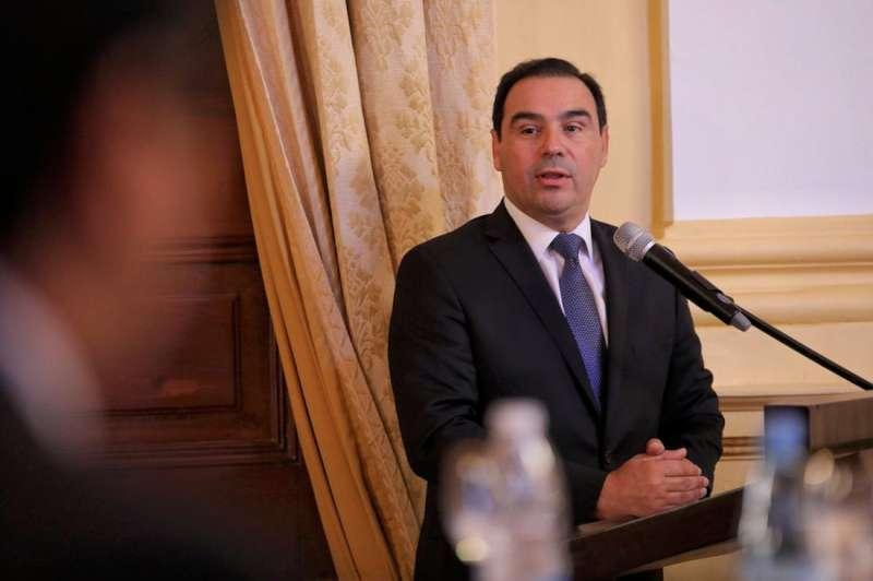 El gobernador Valdés confirmó cronograma del medio aguinaldo a partir del miércoles 17