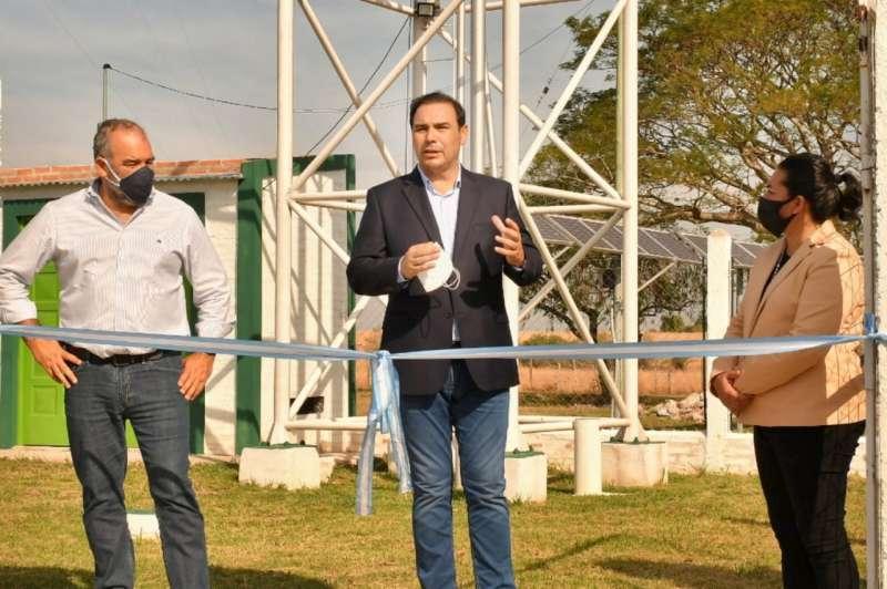 En Pago de los Deseos, Valdés inauguró dos tanques de agua potable y ripio