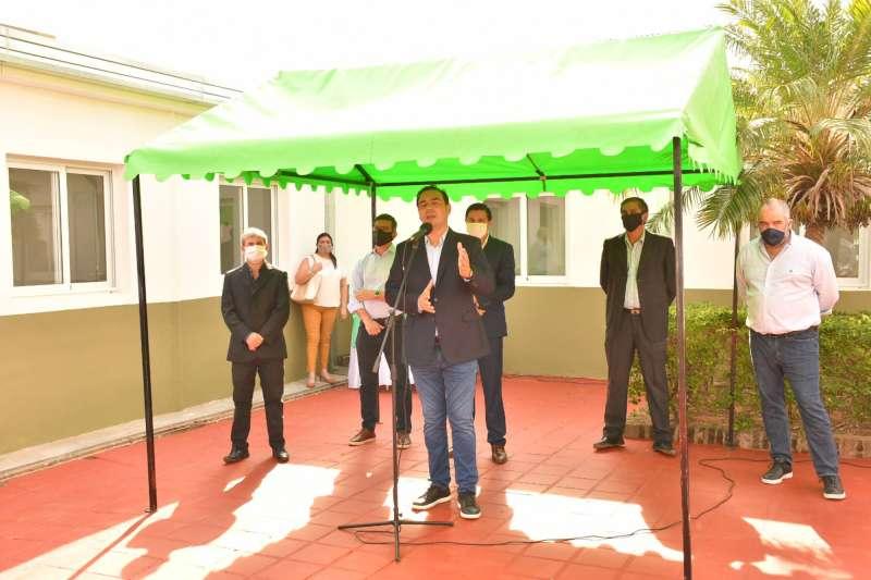 Valdés inauguró refacciones en el hospital de Mburucuyá y aseguró «poner la salud pública a la altura de las circunstancias»